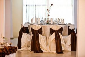 salon nunta - culoare predominanta pe nuanta de maro 13 20130723 1003224235