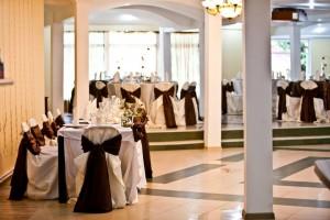 salon nunta - culoare predominanta pe nuanta de maro 14 20130723 1398145532
