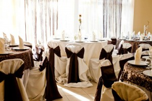 salon nunta - culoare predominanta pe nuanta de maro 31 20130723 1022292632