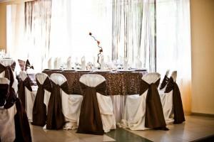 salon nunta - culoare predominanta pe nuanta de maro 7 20130723 1082486821